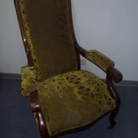 Ce fauteuil Voltaire est à la vente